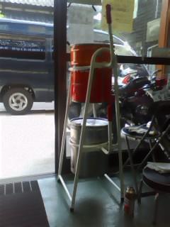 ペール缶スタンド